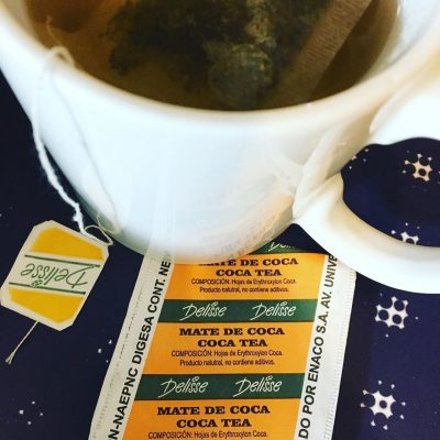 What does coca tea taste like?